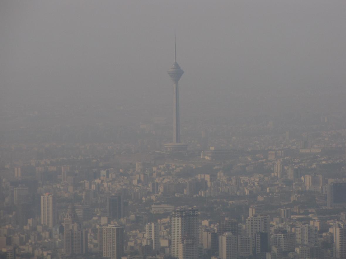 پایداری هوا و تداوم آلودگی طی فردا، بارندگی از عصر دوشنبه