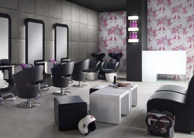 مانیکور و فال گیری در آرایشگاه های مردانه!