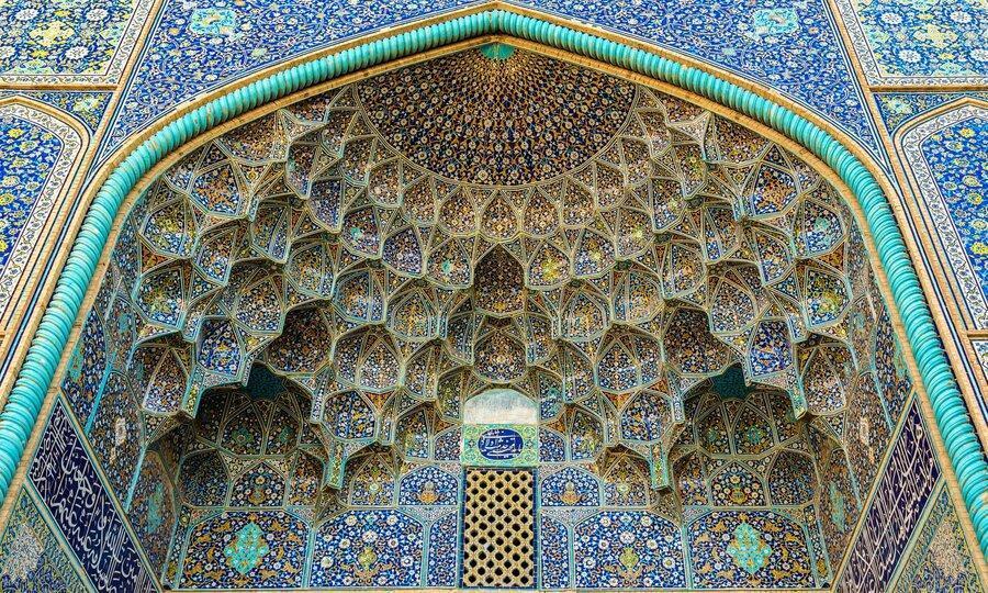 آغاز حفاظت شبانه از بناهای تاریخی میدان امام اصفهان ، مسجد شیخ لطف الله باز هم دروازه فوتبال می شود؟