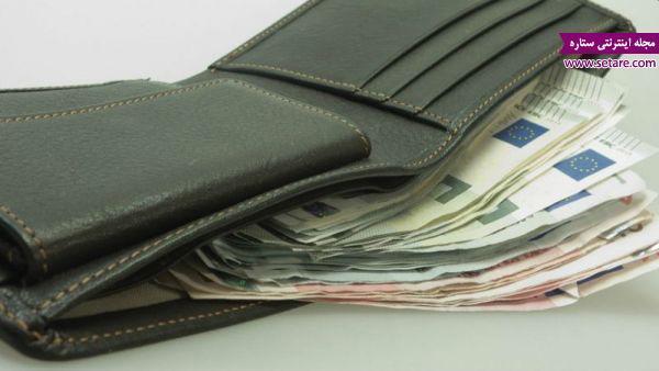 در دوران آشنایی در مورد مدیریت هزینه در خانواده صحبت کنید