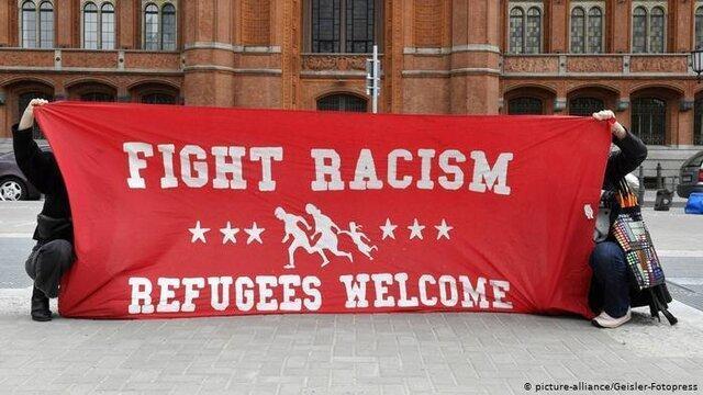 آلمانی ها در دفاع از مهاجران به خیابان ها آمدند