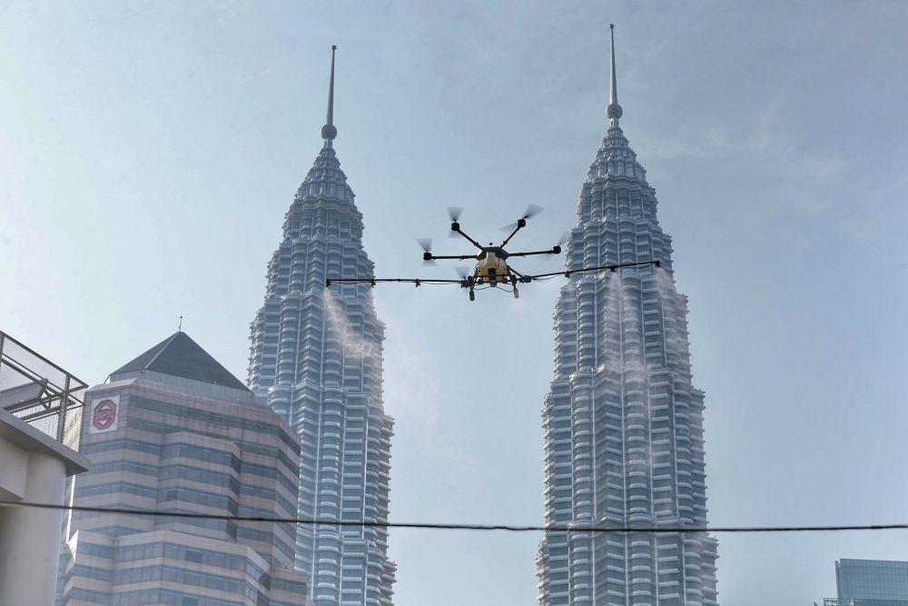 استفاده از پهپاد در مالزی برای نظارت بر قوانین فاصله گذاری اجتماعی