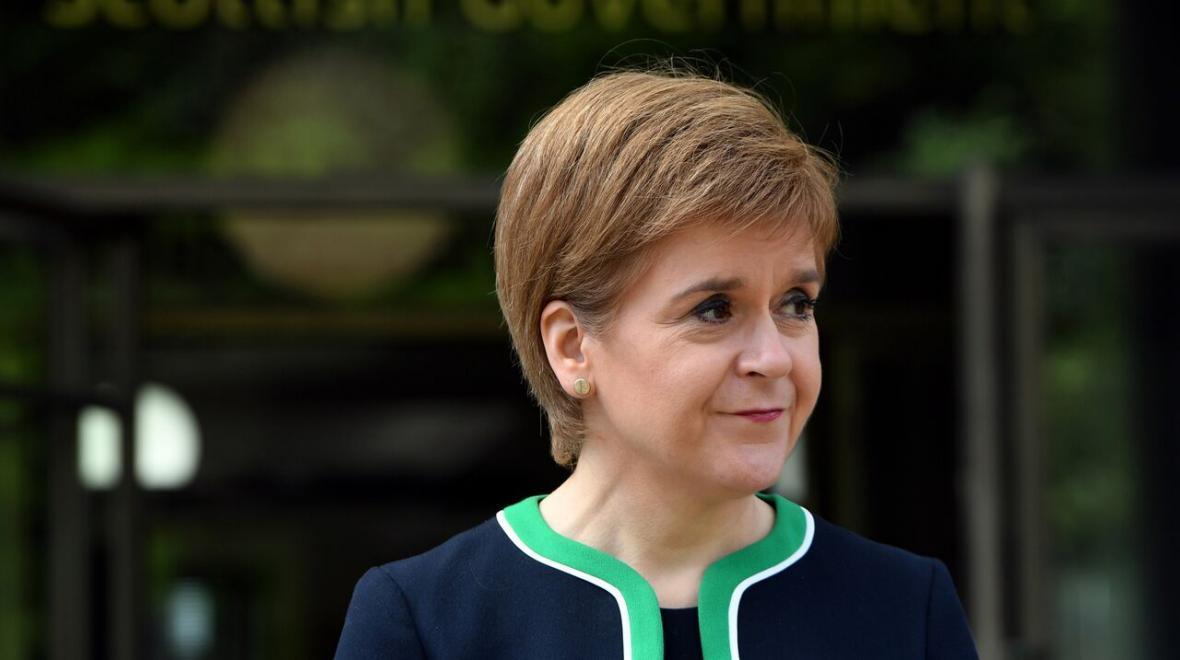 خبرنگاران اسکاتلند ناگزیر به کاهش سطح قرنطینه شد
