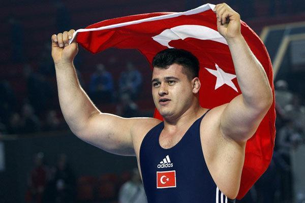 دورخیز ستاره کشتی ترکیه برای پنجمین مدال طلای دنیا