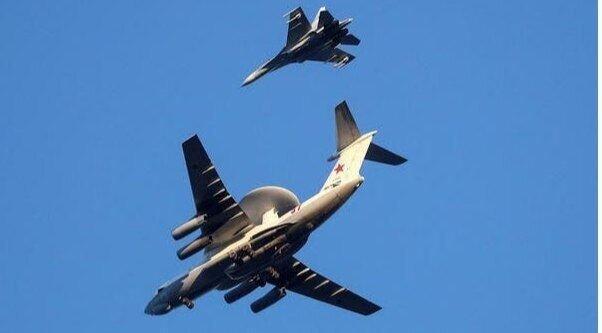 سوخو27 روسی یک هواپیمای آمریکایی را رهگیری کرد