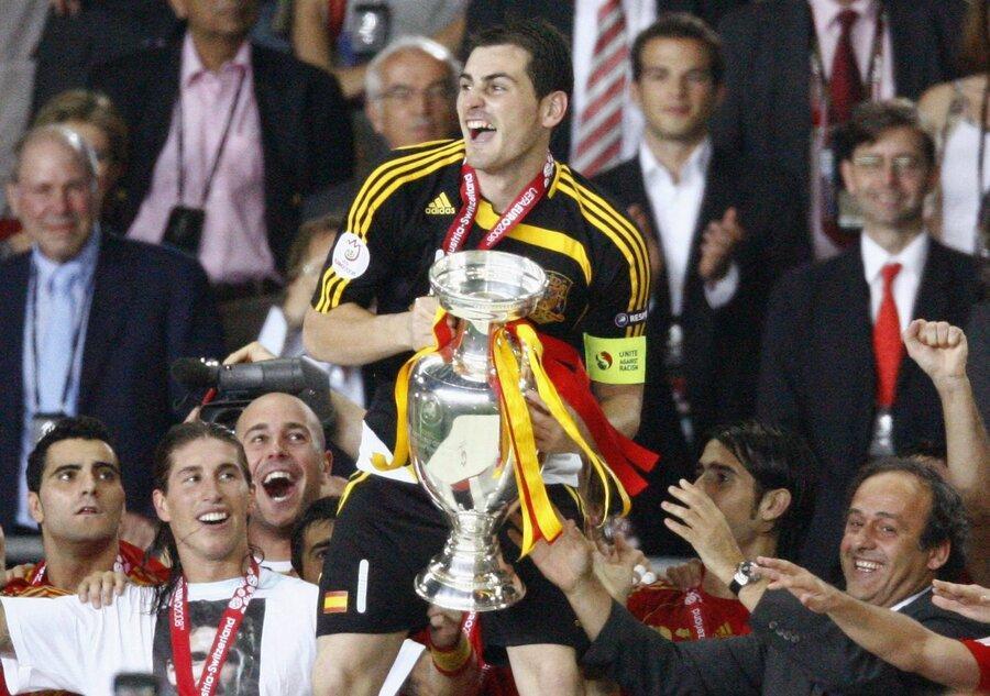 افتخارات ایکر مقدس در جهان فوتبال