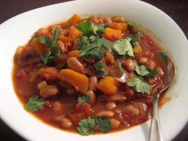 طرز تهیه خوراک لوبیا چیتی خوشمزه با قارچ، سیب زمینی و گوشت