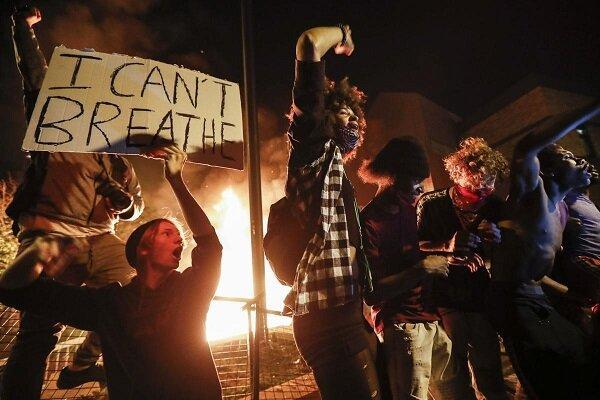گوگل اطلاعات معترضان به قتل جرج فلوید را به پلیس داد