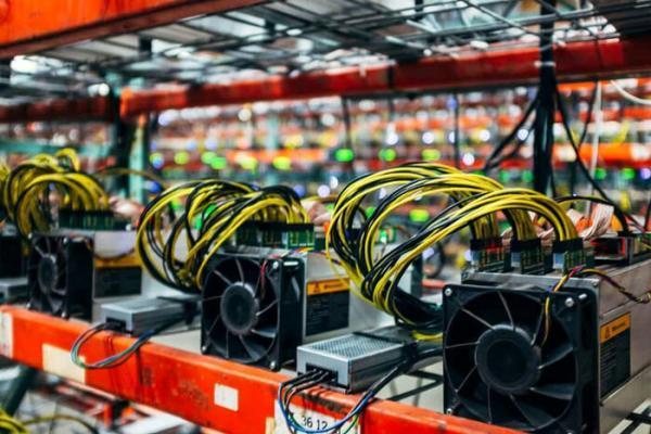 سخنگوی صنعت برق: مراکز مجاز استخراج رمز ارز خاموش می گردد