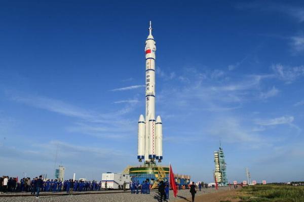 فردا 3 فضانورد چینی به مدار زمین می فرایند