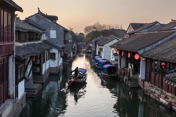 در پی زیبایی های سرزمین چین